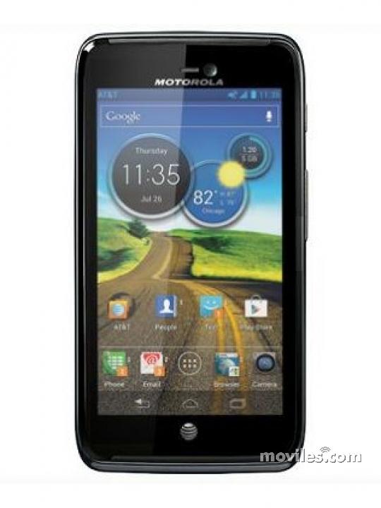 Fotografía grande  del Motorola ATRIX HD MB886 . En la pantalla se muestra