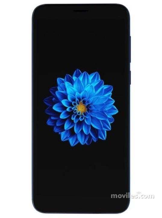 Fotografía grande Varias vistas del Prestigio X Pro Azul y Gris. En la pantalla se muestra Varias vistas