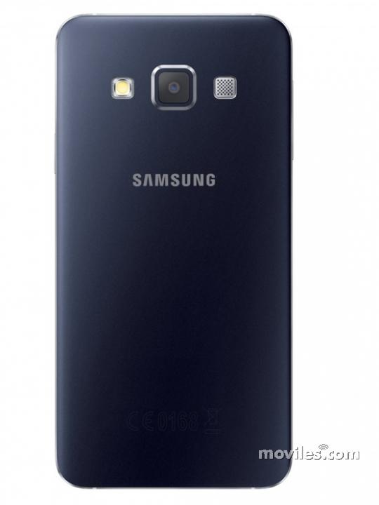 Cámara trasera y flash del Galaxy A3 negro