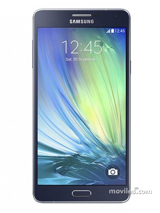 Fotografía grande Frontal del Samsung Galaxy A7 Negro. En la pantalla se muestra Pantalla de inicio