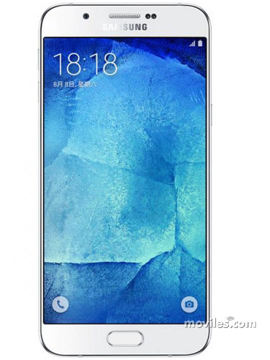 Fotografía grande Frontal del Samsung Galaxy A8 Blanco. En la pantalla se muestra Varias vistas