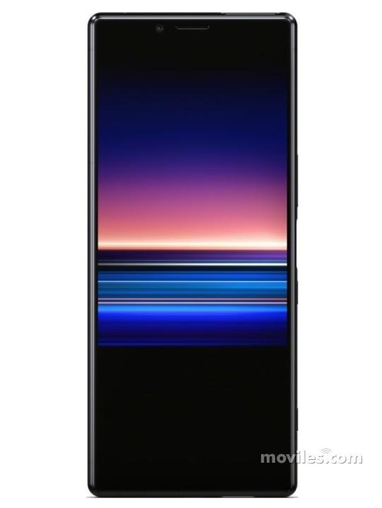 Fotografía grande Varias vistas del Sony Xperia 1 Blanco y Gris y Negro y Púrpura. En la pantalla se muestra Varias vistas