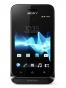 Fotografía Frontal del Sony Xperia Tipo Negro. En la pantalla se muestra Reloj