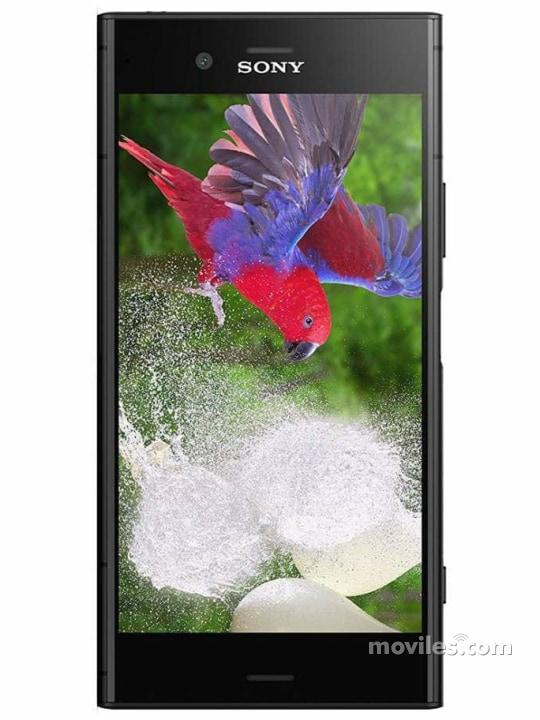 Fotografía grande Varias vistas del Sony Xperia XZ1 Azul y Negro y Plata y Rosa. En la pantalla se muestra Varias vistas